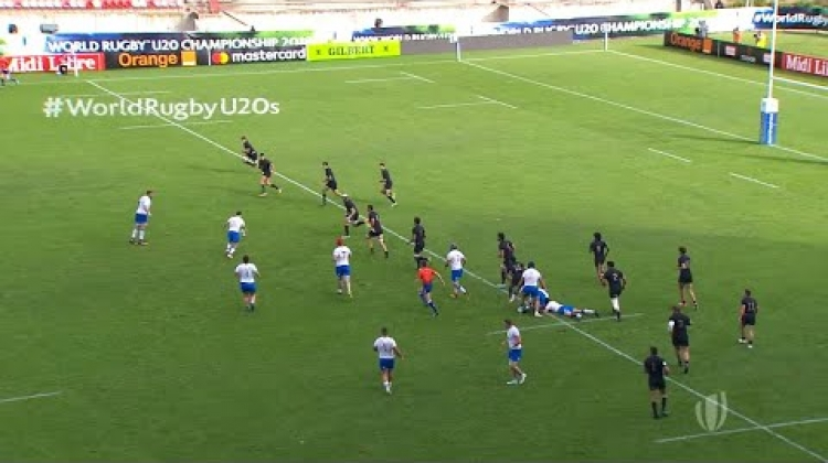 Italy with the great cross kick at the World Rugby U20 Championship
