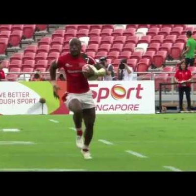 Wanyama runs the pitch in Singapore!