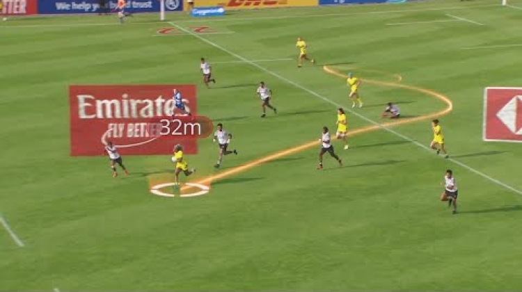 Ellia Green runs over 100m to score against Fiji