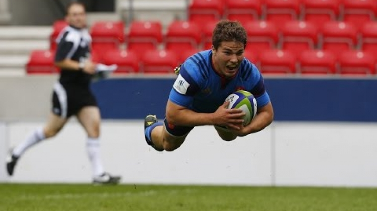 France U20s score rapid try after restart!